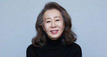 """윤여정, 13일 아카데미 참석 위해 출국 """"코로나19로 조용히"""""""
