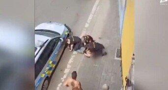체코판 조지 플로이드…경찰 무릎에 목 짓눌린 로마니 남성 사망