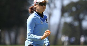 최운정, 6년 만에 우승 도전…LPGA 월드인비테이셔널 첫날 공동 선두