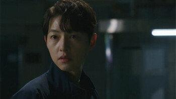 '빈센조' 송중기, 친모 죽음에 분노 폭발옥택연에 총 겨눴다