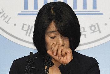 """이용수 할머니, 윤미향 기자회견에…""""이름도 듣기 싫다"""" 불쾌감 표현"""