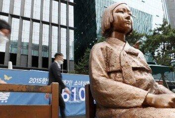 韓-日-정대협, 위안부 문제 줄다리기 정작 중요한 할머니들 목소리는?