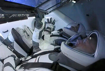 스페이스X 인류 최초민간 유인우주선 시대 열었다