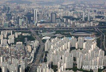 3040 특공 늘려도 서울 등 도심엔물량 역부족… 공급대책 고심