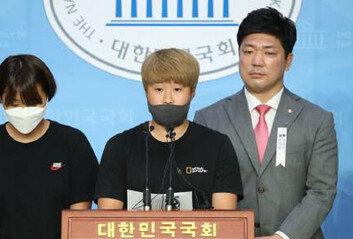 """故최숙현 동료들 """"주장이 이간질, 따돌림옥상에서 뛰어내리라 협박"""""""