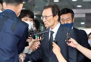 """""""세 번째라니"""" 여권 충격재보선 후보 배출은 어떻게 '곤혹'"""