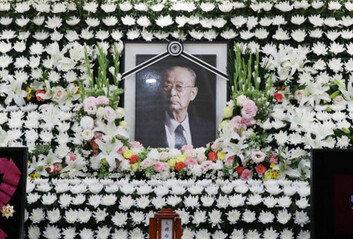 """백선엽 장군 추모 물결유족, 장지 논란에 """"대전현충원 안장에 만족"""""""