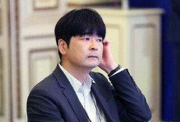 """靑, '탁현민 측근에 특혜' 의혹 보도에…""""무책임한 의혹제기"""""""