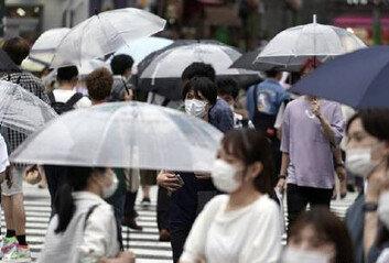 """日 언론 """"도쿄, 코로나 상황 심각""""경계경보 최고 4단계로 격상"""
