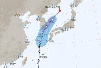소형급 태풍 '장미' 비구름 크게 발달내일까지 200mm 폭우