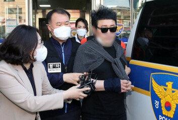 '경비원 폭행' 입주민 국선변호인 마저 관둬