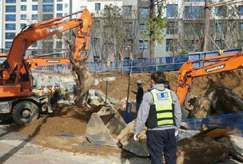 안양 호계동 아파트 공사장서작업자 2명 매몰…1명 사망