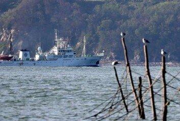'北피격' 공무원 사흘째 수색해경·해군 함정 29척 투입