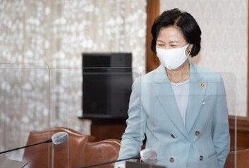 """'불기소' 추미애 """"무책임 세력사과 안하면 후속 조치"""" 엄포"""