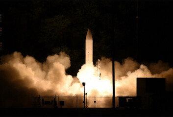 美 극초음속 미사일15cm 오차로 중국을 때린다