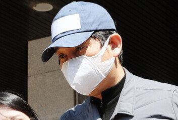 '김봉현 편지' 속 전관 변호사 4월에 檢조사 받아