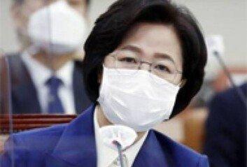 """부하 생경하다던 추미애4년 전엔 """"핵심 부하 우병우"""""""