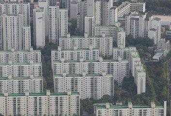 """16억 아파트 10년간 보유세만 9000만원""""나라에 월세 내는 기분"""""""