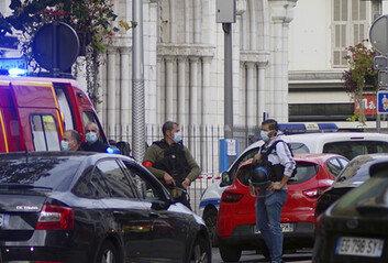 """""""신은 위대하다"""" 외치며 흉기 공격…프랑스서 또 참수 테러 발생"""