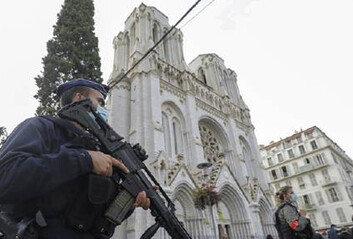 """프랑스, 이번엔 그리스정교회신부 피습…""""테러 가능성"""""""