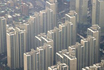"""""""1·2인 가구 폭발적 증가, 집값 상승 부추겼다""""는 文대통령"""