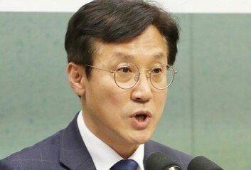 """주호영 """"文, 사면대상 될수도' 발언에  與 """"정치보복 선전포고냐"""""""