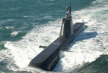 """항해 중 멈춘 1800톤급 잠수함해군 """"이상 경보로 안전 조치"""""""
