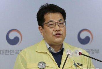 """정부, 백신 관련 가짜뉴스 대응 착수 """"적발시 신속 삭제"""""""