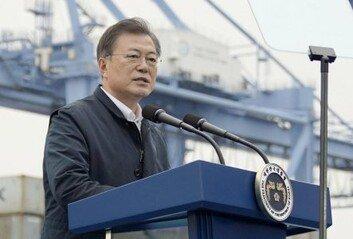 """文대통령 선거개입 野 비판에 靑 """"선거용 아닌 국가 대계"""" 거듭 반박"""