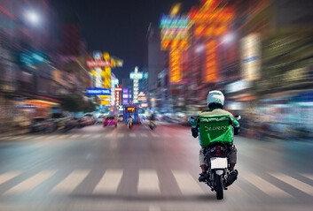 """불법 차선 변경하다 사망한 배달원…法 """"업무상 재해 안돼"""""""