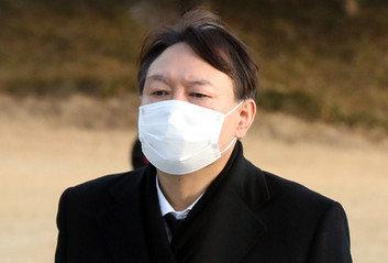 """[단독] 윤석열측 """"尹총장, 이르면 오늘 사의 표명할 듯"""""""