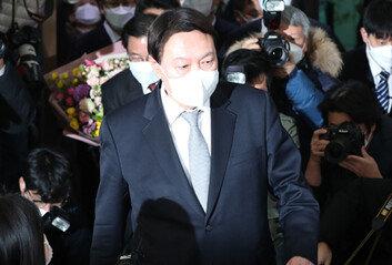 임기 4개월 앞두고…윤석열 총장 중도사퇴 결정적 계기는