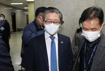 """변창흠 국회로 부른 이낙연 """"LH 의혹 철저히 조사"""""""