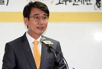 """한동훈, 유시민 상대 5억 손배소 """"가짜뉴스로 낙인찍혀"""""""