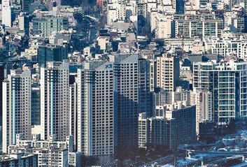 정부, 1주택 보유세-대출규제 완화 검토…부동산 민심 다독이기