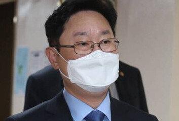 윤석열 징계 소송 4개월째…아직 변호사 선임도 못한 법무부