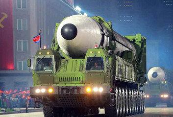 """미국 정보당국 """"北, 美 압박 위해 핵실험-ICBM 발사 검토힐 것"""""""