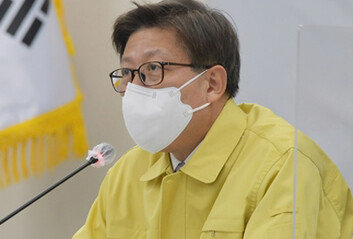 """박형준 부산시장 """"평일 점심시간 5인 이상 모임 한시적 허용 검토"""""""