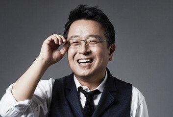 靑 정무수석 이철희사회수석 이태한·대변인 박경미