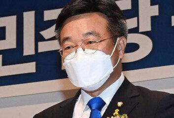 """與 원내대표 윤호중 """"협치보다는 개혁"""" 입법독주 시즌2 되나"""