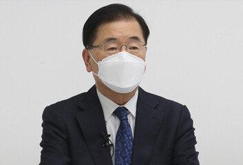 """정의용 """"日오염수 방류, IAEA기준 따르면 반대 안해"""" 논란"""