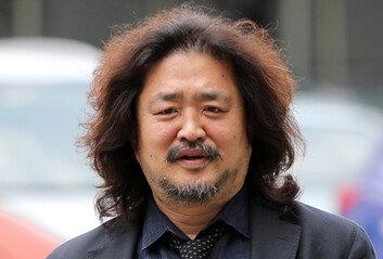 [단독] 구두계약 논란 김어준, SBS와는 서면계약
