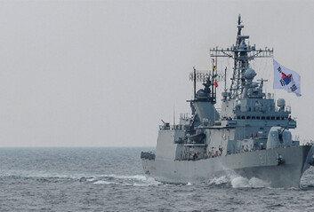 해군 함정도 뚫렸다32명 무더기 확진