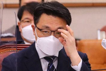 정권 견제 '기본' 안 지킨 공수처갈수록 위상 추락