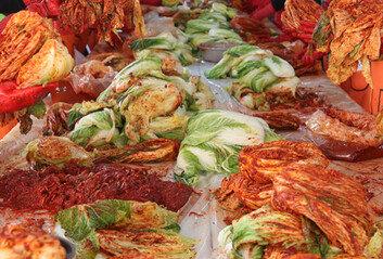 '한국 김치' 명칭 쓰기 어려워진다…식품업계 속앓이
