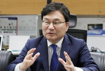 '555억원 횡령' 이스타항공 창업주이상직 의원 구속기소