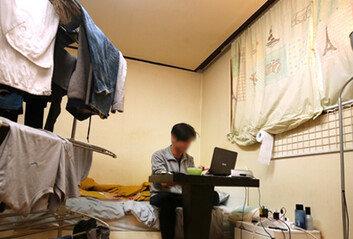 생활고-주거불안 '4050 불독族' 39%가 월소득 200만원 미만