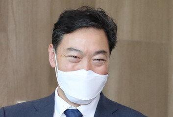 '권력독립 vs 방탄총장' 정권 수사 기로에 선 김오수