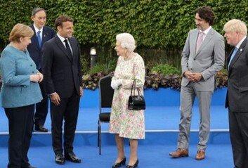 스가, G7 회의서 혼자 '덩그러니'日서 비판과 동정 동시에