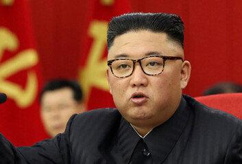 """[속보] 김정은 """"대화·대결 모두 준비""""바이든 정부 대북정책 첫 반응"""